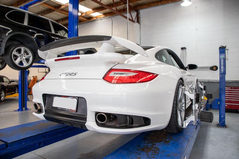 White Porsche 911 GT2RS in workshop